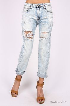 This distressed denim crop is a must have. Throw on your fashion sneakers or sexy heels to rock your style. No matter what that may be, these crops will become your new favorite jeans. 97% Cotton 3% S
