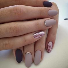 55 The Nail Art Trend Dominating Spring 2020 These trendy Nails ideas would gain you amazing compliments. Check out our gallery for more ideas these are trendy this year. Fall Nail Trends, Nail Color Trends, Nail Colors, Fall Nail Art Designs, Short Nail Designs, Simple Nail Designs, Stylish Nails, Trendy Nails, Cute Nails