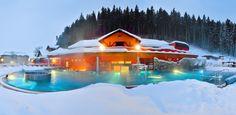 Príďte si oddýchnuť do celoročne otvoreného AQUA - VITAL PARK, ktorého súčasťou je vonkajší rekreačný bazén s teplotou 28 – 33 °C s rozličnými atrakciami (vzduchové lehátka, protiprúd, vodná čaša, masážne trysky, podhladinové osvetlenie...), vonkajší sedací bazén s liečivou minerálnou vodou 36–38°C. K dispozícii je aj delený vnútorný liečivý minerálny bazén s Winter Holidays, Czech Republic, Aqua, Tours, Cabin, Mansions, Landscape, Park, House Styles