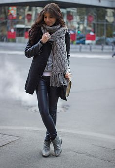 423827a1333 Find Inspiration For Your Next Winter Walk Outfit Winter Office Wear