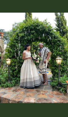 African Traditional Wedding, African Traditional Dresses, Traditional Wedding Attire, Traditional Outfits, Wedding Girl, Wedding Ideas, African Design, African Attire, African Fashion