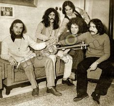Barış Manço ve Moğollar Yurda Döndü #BarışManço #EskiGazete #EskiHaber #Nostalji #TozluMagazin #Vintage #VintageNews #Retro #RetroNews Rock N, Barista, Old Photos, Psychedelic, Old School, Nostalgia, Music, Retro, Turkey
