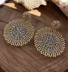 Indian Jewelry Earrings, Indian Jewelry Sets, Beaded Earrings, Beaded Jewelry, Crochet Earrings, Clay Jewelry, Metal Jewelry, Beaded Crafts, Homemade Jewelry