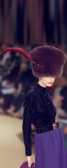 - Yves Saint Laurent Couture show- looks very much like something from Anna Karenina Purple Fashion, Fur Fashion, Love Fashion, Vintage Fashion, Womens Fashion, Fashion Design, Christian Dior, Yves Saint Laurent, Ysl