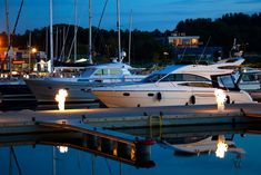Bareboat Chartering,What Should I Know? Sailing Classes, Bareboat Charter, Sailing Adventures, Marina Bay Sands, I Know, Exploring, Islands, Tropical, Canada