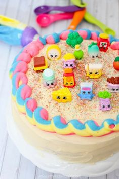 You'll never believe how easy it is to make this stunning Rainbow Shopkins Cake! Perfect for your favorite Shopkins fan or for a themed kids birthday party! Bolo Shopkins, Shopkins Birthday Cake, Diy Birthday Cake, Homemade Birthday Cakes, 5th Birthday, Birthday Ideas, Chocolate Oreo Cake, Diy Cake, Cake Tins