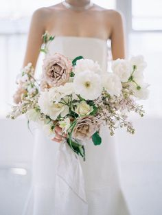 Awesome 28+ Best Blush wedding bouquets https://weddingtopia.co/2018/03/04/28-best-blush-wedding-bouquets/ If it comes to selecting your wedding flowers, the most significant feature is the bouquet