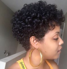 65 Ideas Nails Short Black CurlsYou can find Short curls and more on our Ideas Nails Short Black Curls Curly Pixie Haircuts, Short Curly Pixie, Short Afro Hairstyles, Short Curls, Curly Hair Cuts, Short Hair Cuts, Curly Hair Styles, Short Curly Hair Black, Pelo Natural