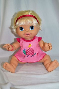 Hasbro Wets 'n Wiggles Baby Alive Doll 2010 Drinks Wets Laughs Kicks Giggles…