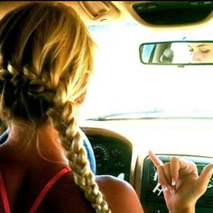 i wish i could actually braid my hair like this.