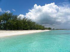 Nassau - Blue Water Catamaran Snorkeling and Beach Tour on the Sweetie Pie: Rose Island near Nassau in the Bahamas
