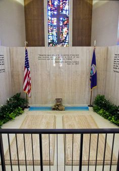dwight eisenhower library | Dwight and Maime Eisenhower's graves at the Eisenhower Presidential ...