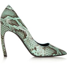 Nicholas Kirkwood Python pumps (1.435 BRL) ❤ liked on Polyvore featuring shoes, pumps, heels, scarpe, jade, pointed toe high heel pumps, snake print shoes, aqua shoes, pointed-toe pumps and high heel pumps