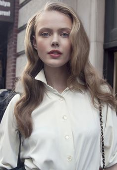 Picture of Frida Gustavsson Frida Gustavsson, Hollywood Waves, Close Up, Natural Wedding Makeup, Photoshop, Messy Hairstyles, Hairdos, Woman Face, Pretty Face