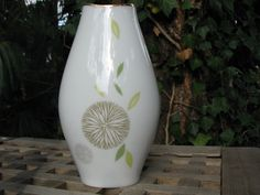 Thomas (Rosenthal Group) Vase – Raymond Loewy 1950s design – dandelion décor, gold rim – vintage German Mid Century Porcelain von everglaze auf Etsy