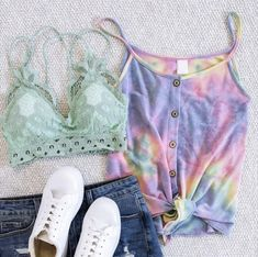 Tie Dye Outfits, White Shorts, Converse, Sneakers, Clothes, Women, Fashion, Tennis, Outfits