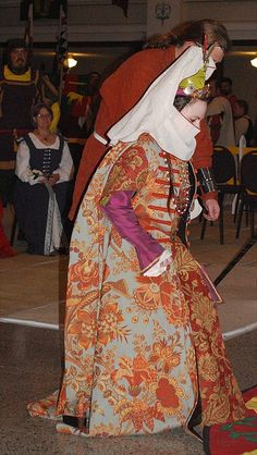 Sir Logan and Mistress Zaynab by mizginny, via Flickr.   16th Century Ottoman Turkish Garb