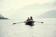 Mariés dans une barque, photo de Jonas Peterson