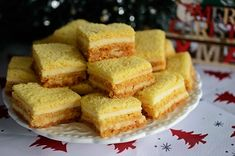 Prajitura cu foi si crema mascarpone Cake Recipes, Dessert Recipes, Desserts, Food Cakes, Cornbread, Caramel, Cooking Recipes, Sweets, Diet
