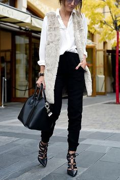15 Incredibly Chic Winter Outfit Ideas via @PureWow