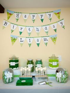 Golf party candy buffet - printable banner from Chickabug.com