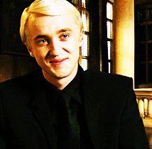 #wattpad #hayran-kurgu Hermione x Draco Harry Hermione ve Ronald Hogwarts'ta altıncı yıllarına geçmişlerdi. Genç cadının kaderi Hogwarts bittikten sonra trajik bir şekilde değişti. Hayatına sonradan giren bir büyücü onu daha büyük bir karmaşanın ve acının içine sürükledi. Fakat Hermione'nin bundan haberi yoktu. Öğren...