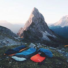 Daily dose of camping inspiration Camping Places, Go Camping, Places To Travel, Places To Go, Outdoor Camping, Adventure Awaits, Adventure Travel, Trekking, Camping Sauvage