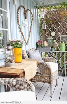 porch , veranda rustic outdoor or conservatory decoration inspiration Rurally yours, . Porch And Balcony, Porch Swing, Front Porch, Porch Veranda, Outdoor Rooms, Outdoor Living, Outdoor Decor, Rustic Outdoor, Porche Shabby Chic