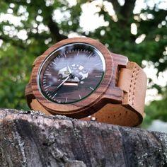 Drevené hodinky TECHNO Krabi, Wood Watch, Techno, Watches, Retro, Accessories, Wooden Clock, Wristwatches, Clocks