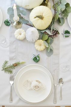 Creating a pretty look for your thanksgiving table. Ideas for centerpieces, elegant and cost friendly! Christmas Table Settings, Holiday Tables, Thanksgiving Tablescapes, Thanksgiving Decorations, Easy Napkin Folding, Napkin Rose, Chrissy Marie, Black And White Ribbon, Bottle Brush Trees