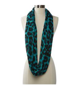 @Commandress Fashion Flashback – How to Wear Leopard Print - Eye-Catching Accessory