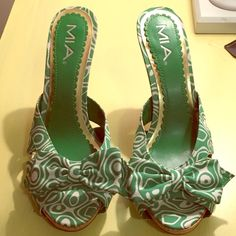 Green Patterned Heels Super cute green & white patterned summer heels. Never worn. Great condition! MIA Shoes Heels