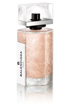 B.Balenciaga apresenta fragância sofisticada, sensual e feminina
