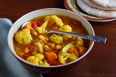 Curried Cauliflower and Sweet Potato Soup, from FatFree Vegan Kitchen Whole Food Recipes, Soup Recipes, Vegetarian Recipes, Dinner Recipes, Cooking Recipes, Healthy Recipes, Dinner Ideas, Vegan Soups, Vegan Dishes