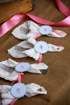 Table utensils with vintage napkins