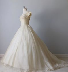 THE SIDE VIEW: 1950s Wedding Dress / 50s Bridal Gown / Silk by TheVintageMistress