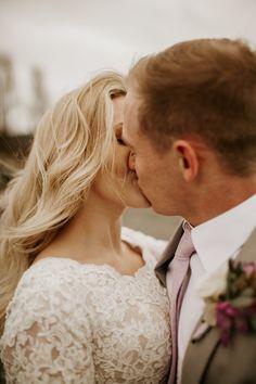 Lace Wedding, Wedding Dresses, Wedding Photos, Couple Photos, Couples, Fashion, Bride Gowns, Marriage Pictures, Couple Shots