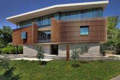 Extraordinary House