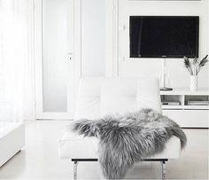 Genuine Natural LARGE XXL Icelandic Sheepskin Rug, Pelt, long fur GRAY #naturalsheepskin #ModerntoTraditional