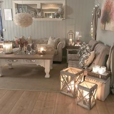 30 Gorgeous Romantic Living Room Decor Ideas - There are dozens of different design styles to choose from when decorating your living room. One thing to remember when decorating your living area is. Romantic Living Room, Chic Living Room, Living Room Grey, Home Living Room, Living Room Designs, Living Room Decor, Apartment Living, Living Area, Bedroom Decor