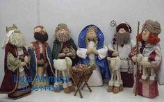 Colección de patrones y moldes de muñecos de navidad que EcoArtesanias comparte para esta Navidad 2014-2015. Veras las ultimas novedades navideñas compartidas por amig@s de la web, con mucho cariño para tod@s. (**encuentre más en: [Muñecos Nav Diy Nativity, Nativity Sets, Cute N Country, Waldorf Dolls, Tole Painting, All Things Christmas, Reindeer, Projects To Try, Christmas Decorations