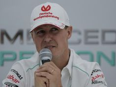 """Hamilton admite ser impossível substituir Schumacher: """"uma lenda"""".http://esportes.terra.com.br... pinned with Pinvolve"""
