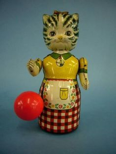 Rare Japanese Tin Mother Cat Wind Up Toy