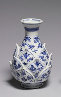 Blue & white porcelain lotus vase, Japanese, 19th c.