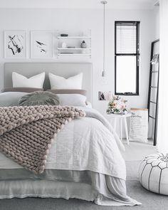chambre rose et gris dominée-blanc-immaculé