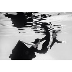 The one with swimmer  #owlsome #project #owlsomeproject #bandung #instabandung #instasunda #prewedding #engagement #wedding #photography #underwater #conceptual #swimmer #swim #tea