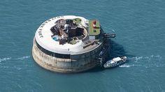 Abren un hotel de lujo en una fortaleza de época victoriana en el mar