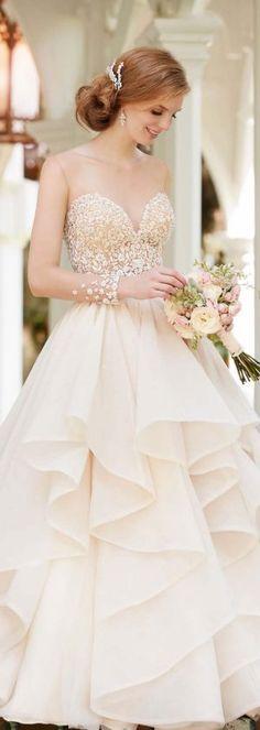 Martina Liana Spring 2016 Wedding Dress http://bellethemagazine.com/2016/04/martina-liana-spring-2016-bidal-collection.html
