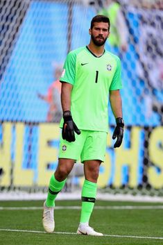 Alisson of Brazil looks on during the 2018 FIFA World Cup Russia. Liverpool Fc, Time Do Liverpool, Liverpool Players, Germany Football Team, Alex Sandro, Brazil Team, Daniel Alves, Premier League, European Soccer