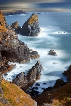 Kynance Cove - Beautiful island with amazing landscape. Perfect for this time of the year for photographers & explorers. I will recommend the summer period for adventurers and backpackers.